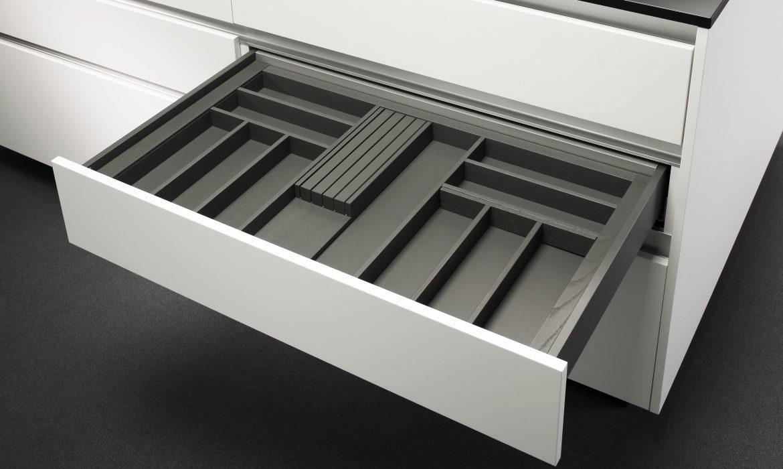 Bardziej efektywne wykorzystanie przestrzeni szuflady