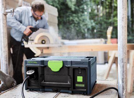 SYS-PowerStation to niezależność od dostaw prądu, gdziekolwiek pracujesz